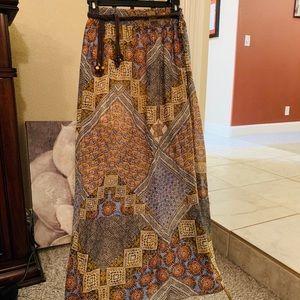 Patterned skirt with under mini slip.
